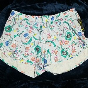 Old Navy Active Floral Shorts - M